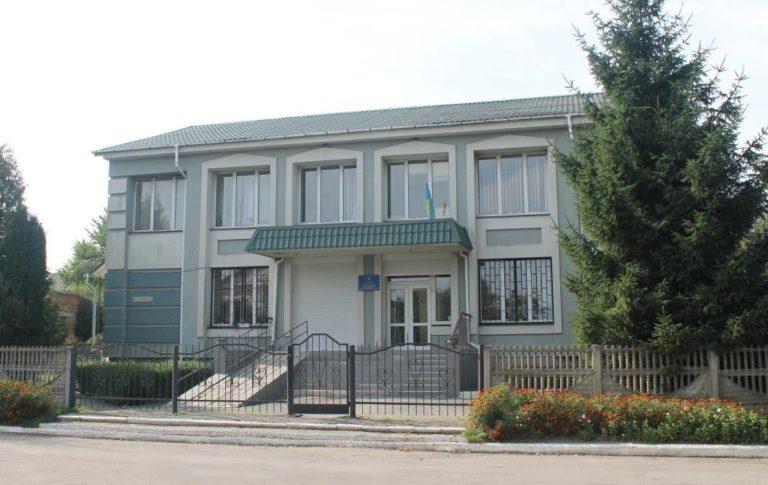 В багатостраждальний Гощанський районний суд нарешті призначать суддів