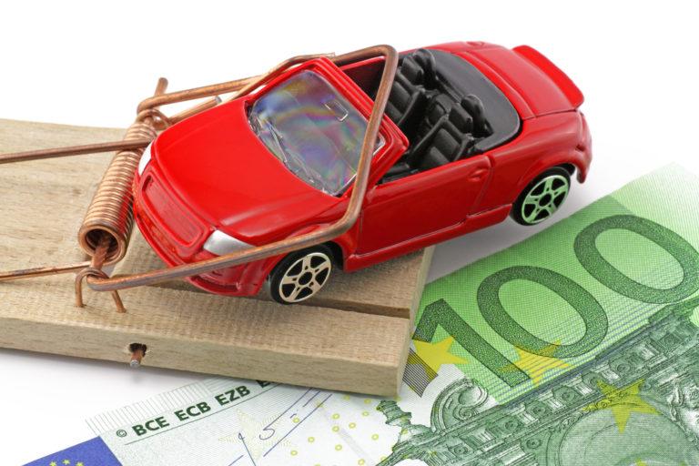 Двоє мешканців Рівненщини віддали шахраям півмільйона гривень за купівлю автомобілів