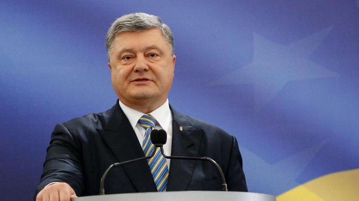 Політиком року українці вважають Петра Порошенка