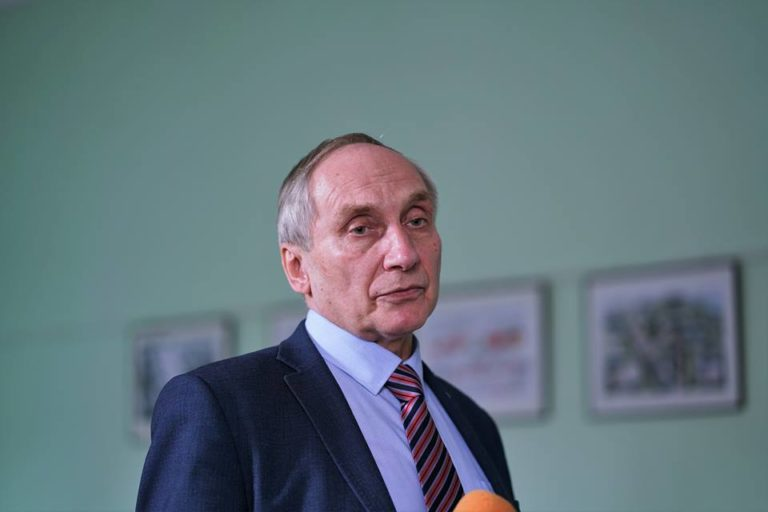 «Порошенко своїх не кидає. І лише він здатен повернути Крим та Донбас» – вчений Ігор Козловський на Рівненщині