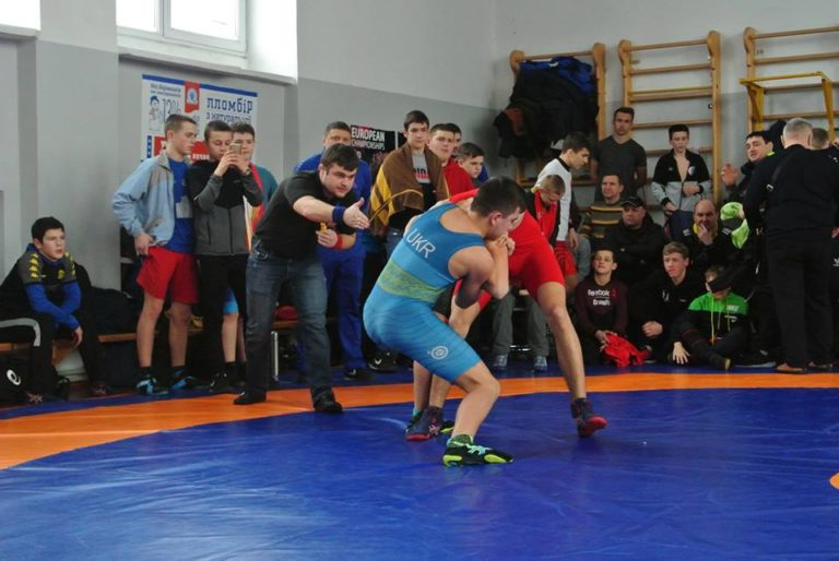 У Рівному пройшов Чемпіонат України з греко-римської боротьби серед молодших юнаків