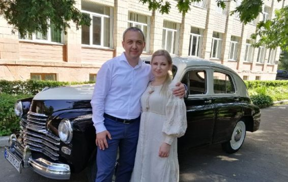 Олексій Муляренко з дружиною приїхали на дільницю з «Перемогою»