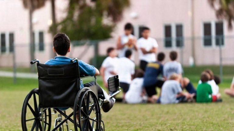 На Рівненщині священника не пустили в заклад для дітей з інвалідністю