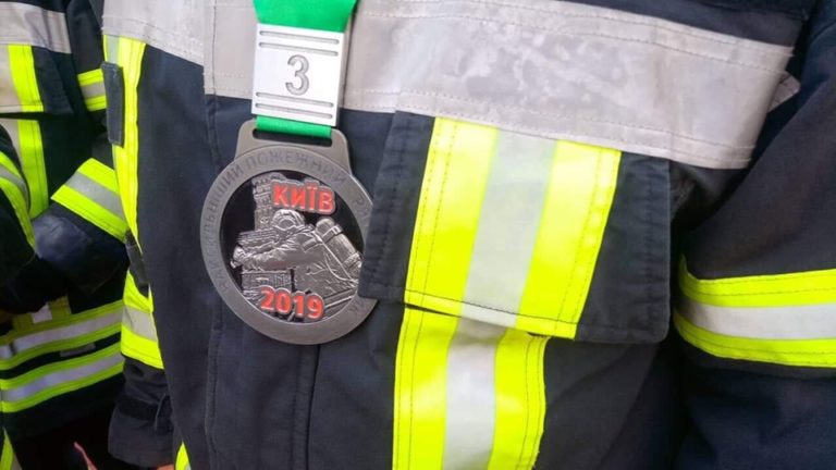 Рівненські рятувальники на міжнародних змаганнях здобули бронзу