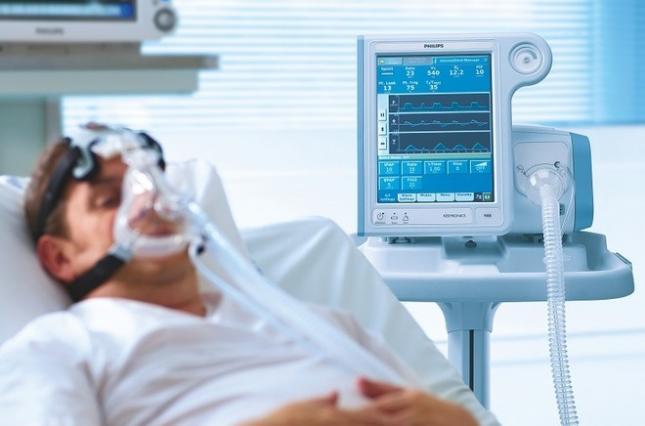 У Рівному важко хворого підключили до апарату ШВЛ | Рівненські новини