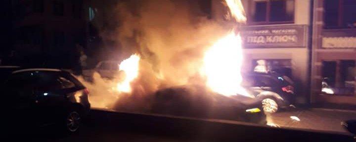 Облили та підпалили: на Рівненщині шукають паліїв автомобіля білоруса (+ФОТО,ВІДЕО)