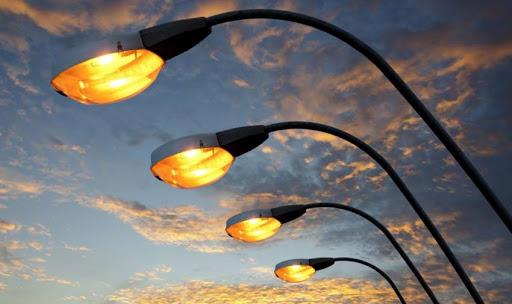 У Дубно розпочали роботи з освітлення вулиць