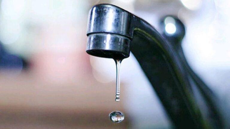 У Рівному через пошкодження водопроводу у двох будинках немає води