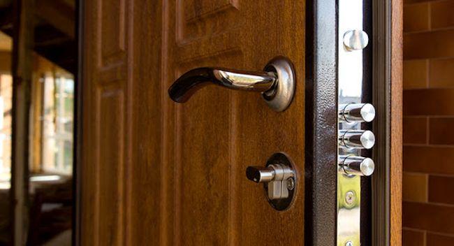 5 причин замінити вхідні двері