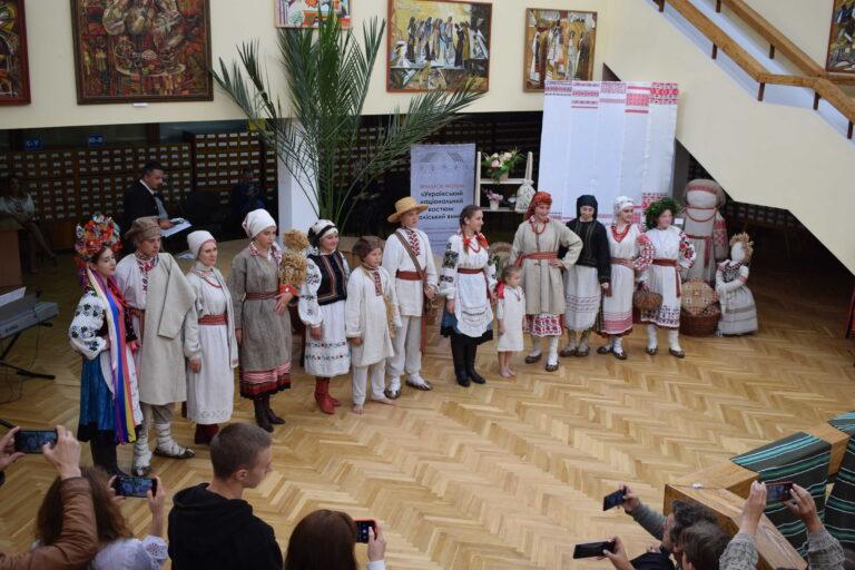 У Рівному відбувся всеукраїнський ярмарок традиційного одягу (+ФОТО)