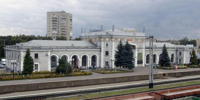 На залізничному вокзалі у Рівному вакцинуватимуть від COVID-19