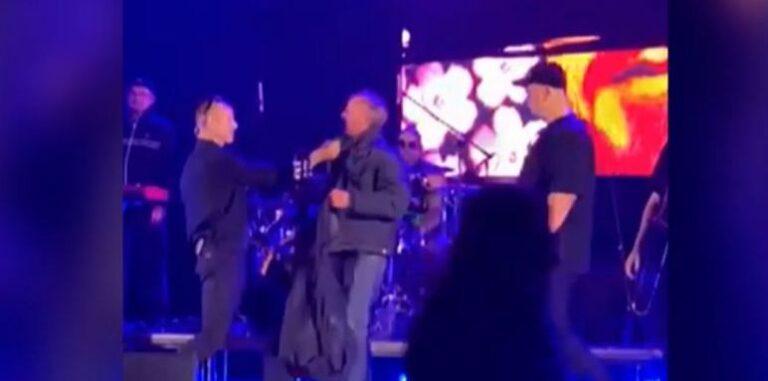 Соліст гурту «Ляпіс» під час концерту у Полтаві вдарив глядача, який вийшов на сцену. Поліція відкрила справу (+ВІДЕО)