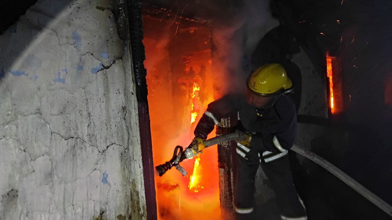 На Рівненщині в пенсіонерки згоріла господарча будівля
